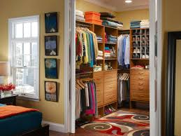 Choosing Closet Doors | HGTV