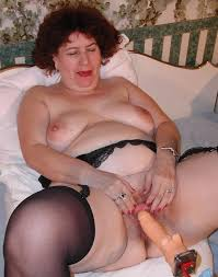 Free naked older video woman