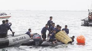 Sriwijaya Air flight SJ182 missing: bodies, luggage recovered