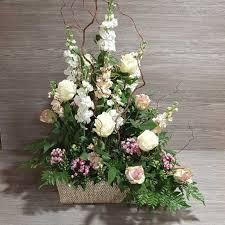 L'importanza delle nozze d'oro e i fiori come simbolo di amore e romanticismo. Consegna Fiori A Domicilio Nozze Argento E Oro