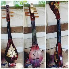 Alat musik ini terbuat dari sejenis tumbuhan hutan yang biasa disebut suku. 10 Alat Musik Kalimantan Selatan Yang Patut Dilestarikan