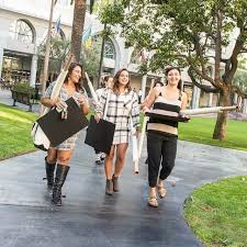 frequently asked questions about fidm fidm below we ve answered 7 of the most frequently asked questions from fidm applicants regarding jobs transferring entrance projects and more