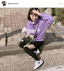 韓国で今年流行り 色物の可愛い服とは 韓国情報モアモア