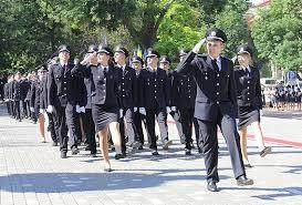 В Одессе состоялся первый выпуск офицеров полиции ФОТО  Ректор университета генерал полиции третьего ранга Иван Катеринчук поздравил выпускников с окончанием вуза и отметил что выбрав сложную ответственную и
