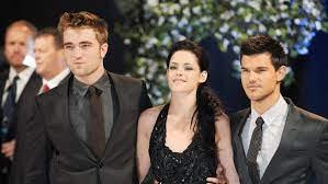 Darsteller um Kristen Stewart ...