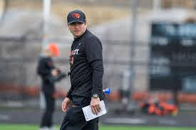 What's in a name? Jonathan Smith's early attempt to build trust among  Oregon State Beavers - oregonlive.com