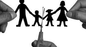 Bố mẹ ly hôn, con có được chia tài sản không?