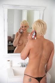 Short Hair Women Nude