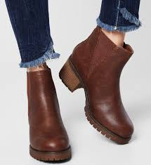 As an effortless, versatile day or night boot, whether you team with your fave jeans or dreamy dungarees, you can't. Step It Up Women S Brown Chunky Chelsea Boots In Brown With Big Soles Shoes That Make A Subtle St Boots Outfit Ankle Womens Boots Ankle Boots Women Fashion