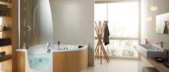 s iowa cainsmobility com wp content uploads sites 16 2016 12 iowa city walkin bathtub in luxury bathroom jpg