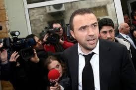 Adalet Bakanlığı, FETÖ firarisi eski futbolcu Arif Erdem'in ...
