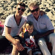 alan thicke family. Fine Family Three Generations Of Thickness Robin Thicke Shared A Cute Family Snap  Three Generations And Alan Family
