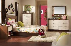 Mirrored Bedroom Bench Bedroom Antique Bedroom Furniture Bedroom Wood Floor Teen Bedroom