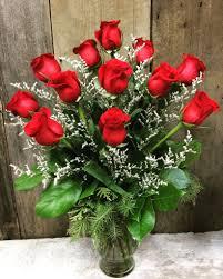 dozen roses in vase flowers vase44