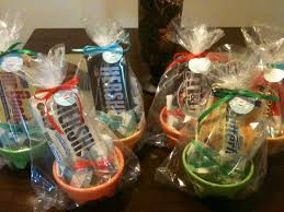 Baby shower game gifts This is great. So easy and inexpensive ...