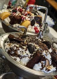 Image Cream Sundae Challenge Disney Food Blog Onthelist The Kitchen Sink Sundae And Chocolate Lovers