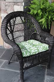 painted wicker dining chairs best 25 spray paint wicker ideas on spray