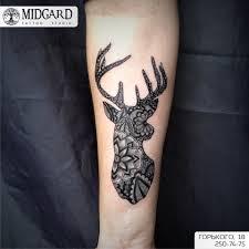 татуировка на предплечье у девушки олень фото рисунки эскизы