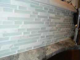 design glass tile kitchen backsplash