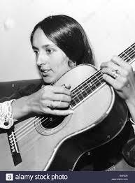 Joan Baez American Folk cantante famoso per canzoni di protesta contro la  guerra del Vietnam Foto stock - Alamy