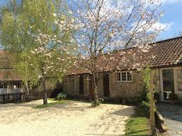 dog friendly cotswold cote with large private garden near bristol and bath
