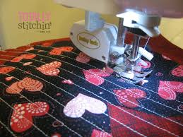 Quilted Pot Holder Tutorial - Totally Stitchin & Complete channel quilting, as desired. Adamdwight.com