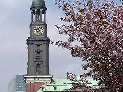 Von der plattform aus hat man eine aussicht über die innenstadt, die. Michel Hamburg St Michaelis Kirche Hamburg De