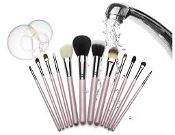 clean make up brushes at home