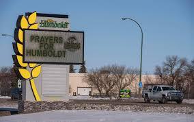 Fifteen die when semi-trailer collides with junior hockey team's bus ...