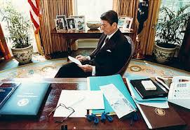 thompson why reagan was the great communicator ny daily news former u s president ronald reagan prepares a speech at his desk in the oval office