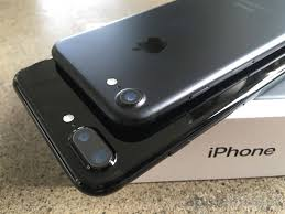 iphone 7 plus black unboxing. black \u0026 jet black: unboxing the new iphone 7, 7 plus with lightning headphones iphone