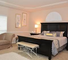 chair rail in bedroom photos and wylielauderhouse chair rail in bedroom room decorating ideas