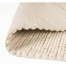 natural wool loop rug to zoom