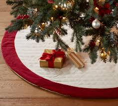 Tutorial Turn A Clearance Tablecloth Into A Christmas Tree Skirt Christmas Tree Skirt Clearance