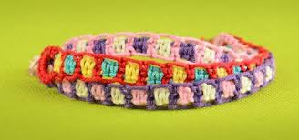 how to make easy friendship bracelets using square knot