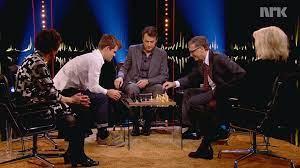 Bill Gates loses at chess : Magnus Carlsen VS Bill Gates - video Dailymotion