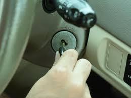 Como retirar chave quebrada da fechadura ! Chave Do Carro Quebrada Saiba O Que Fazer Nesta Situacao