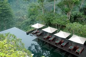 all of the pools at hanging gardens are located in thick jungle photo via easytotravel