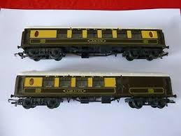 OO' GAUGE TRI ANG TWO PULLMAN COACHES 'ANNE' & 'CAR No 70' - £8.99 |  PicClick UK