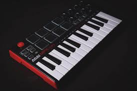 Akai professional provides the best keyboards and keyboard controllers in the industry including the top selling mpk mini. Akai Mini Mpk Mkii Review Owners Honest Thoughts