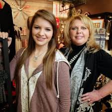 Cashing in on a love of fashion   Lifestyles   tulsaworld.com