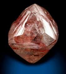 Rough diamond | Бриллианты, Драгоценные камни, Кристаллы