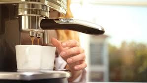 Máy pha cà phê Electrolux ECM3505 có tốt không? 7 lý do nên mua dùng