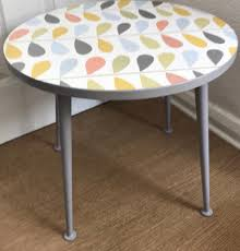 round retro table