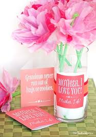 make mothers day simple with this easy gift idea and free printable its mother s gifts