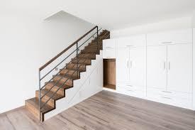 Jetzt suchen wir nach einer ecke, in der wir einen weiteren. Treppenschrank Schrank Unter Der Treppe Bathe Treppen