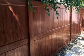 Brown vinyl privacy fence Chocolate Brown Woodgrain Vinyl Privacy Fence Vinyl Fence Wholesaler Mocha Walnut Vinyl Fence Factory Direct Vinyl Fence Wholesaler