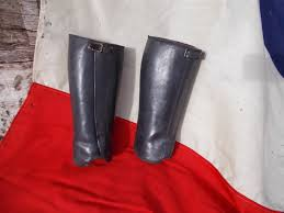 pair antique leather leg protectors gaiters shin guards ww1 military ref t15 25