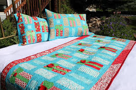 Quilted Pillow Shams: Patterns & Projects to Try & Oh My Gifts Bed Runner and Pillow Shams Adamdwight.com