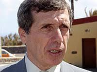 En un nuevo alarde de astucia, el concejal de Urbanismo de Telde, Guillermo Reyes, se ha agarrado al hecho -al parecer ... - 20060530020848-guillermoreyes3